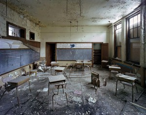 Detroit-Ruin-Piano-Classroom-St-Margaret-Mary-School[1]